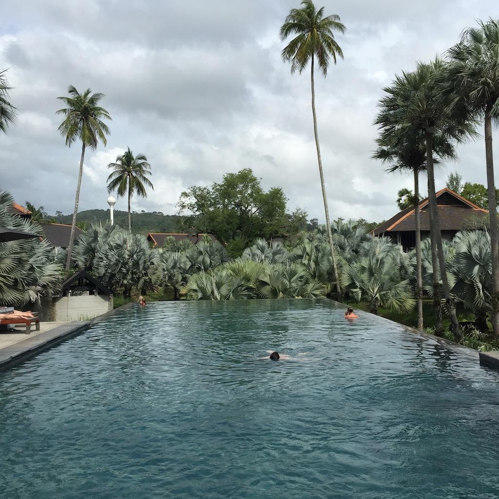 travel phuket thailand indigo pearl luxury resort. Black Bedroom Furniture Sets. Home Design Ideas
