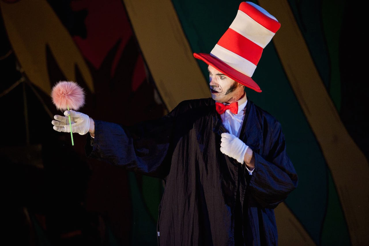 Cat In The Hat Musical Abu Dhabi