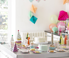 Motherhood | Party Camel | We talk to owner and mum of 2 Aisha Leitner about her new booming stylish party website for children, Christmas, christenings, weddings and much more.