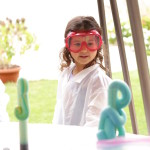 Curiosity Lab Dubai | Self-admitted science geek, former jet engineer for Rolls Royce, creates the most amazing teaching science laboratory in our home.